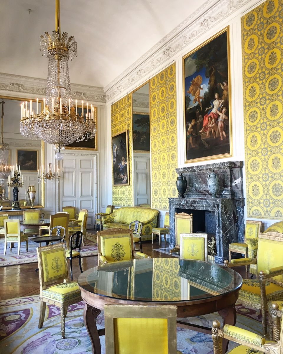 Paris Apartments Versailles: Explore France > Versailles